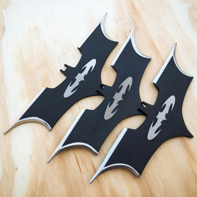 batarang throwing knives