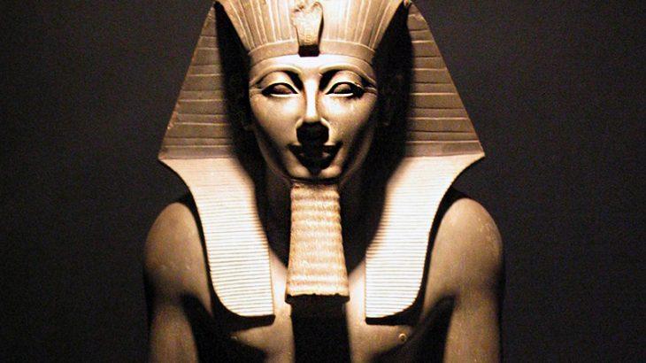 Basalt statue of Thutmose III, Source: Wikimedia